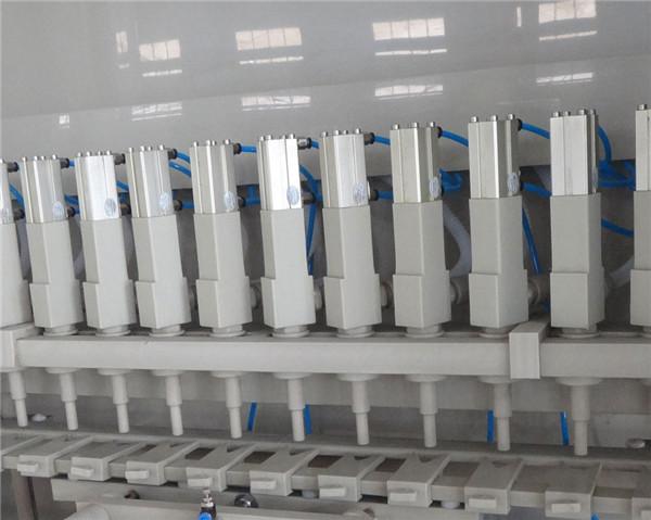 Dettagli della macchina di rifornimento anticorrosiva 16